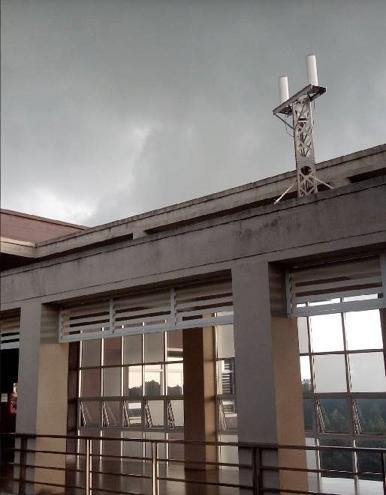 Station déployée sur le toit de l'université